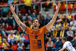 13-04-2019 NED: Achterhoek Orion - Draisma Dynamo, Doetinchem<br /> Orion win the fourth set and play the final round against Lycurgus. Dynamo won 2-3 / Joris Marcelis #4 of Orion