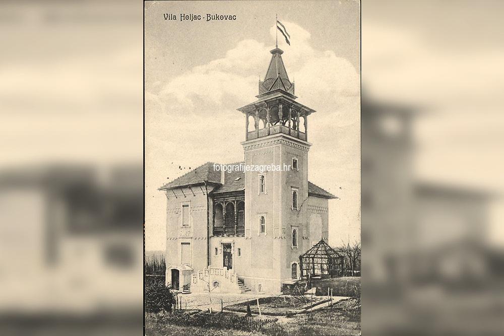 Vila Holjac : Bukovac. <br /> <br /> ImpresumS. l. : S. n., [1928].<br /> Materijalni opis1 razglednica : tisak ; 13,8 x 8,9 cm.<br /> SuradnikMosinger, Rudolf(1865.–1918.)<br /> Vrstavizualna građa • razglednice<br /> ZbirkaGrafička zbirka NSK • Zbirka razglednica<br /> Formatimage/jpeg<br /> PredmetZagreb –– Bukovac<br /> SignaturaRZG-BUK-1<br /> Obuhvat(vremenski)20. stoljeće<br /> NapomenaRazglednica je putovala 1928. godine. • Razglednica prikazuje vilu zagrebačkog gradonačelnika i arhitekta Janka Holjca na Bukovcu br. 8. • U lijevom donjem kutu poleđine razglednice otisnut je monogram Rudolfa Mosingera.<br /> PravaJavno dobro<br /> Identifikatori000955843<br /> NBN.HRNBN: urn:nbn:hr:238:453422 <br /> <br /> Izvor: Digitalne zbirke Nacionalne i sveučilišne knjižnice u Zagrebu