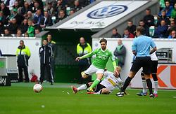 27.04.2013, Volkswagen Arena, Wolfsburg, GER, 1. FBL, VfL Wolfsburg vs Borussia Moenchengladbach, 31. Runde, im Bild l-r: DIEGO (VfL Wolfsburg), Mike HANKE (Borussia Moenchengladbach) // during the German Bundesliga 31th round match between VfL Wolfsburg and Borussia Moenchengladbach at the Volkswagen Arena, Wolfsburg, Germany on 2013/04/27. EXPA Pictures © 2013, PhotoCredit: EXPA/ Eibner/ Global..***** ATTENTION - AUSTRIA ONLY *****