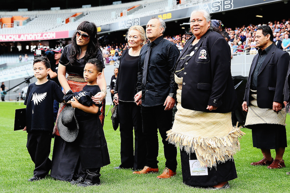 Widow of Jonah Lomu, Nadene Lomu walks onto Eden Park with her two sons Brayley Lomu and Dhyreille Lomu, her mother Lois, father Mervyn Kuiek and mother of Jonah Lomu, Hepi Lomu at the Remembering former All Black Jonah Memorial Service, Eden Park,, Auckland New Zealand, Monday, November 30, 2015. Credit:SNPA / Getty, Hannah Peters **POOL**