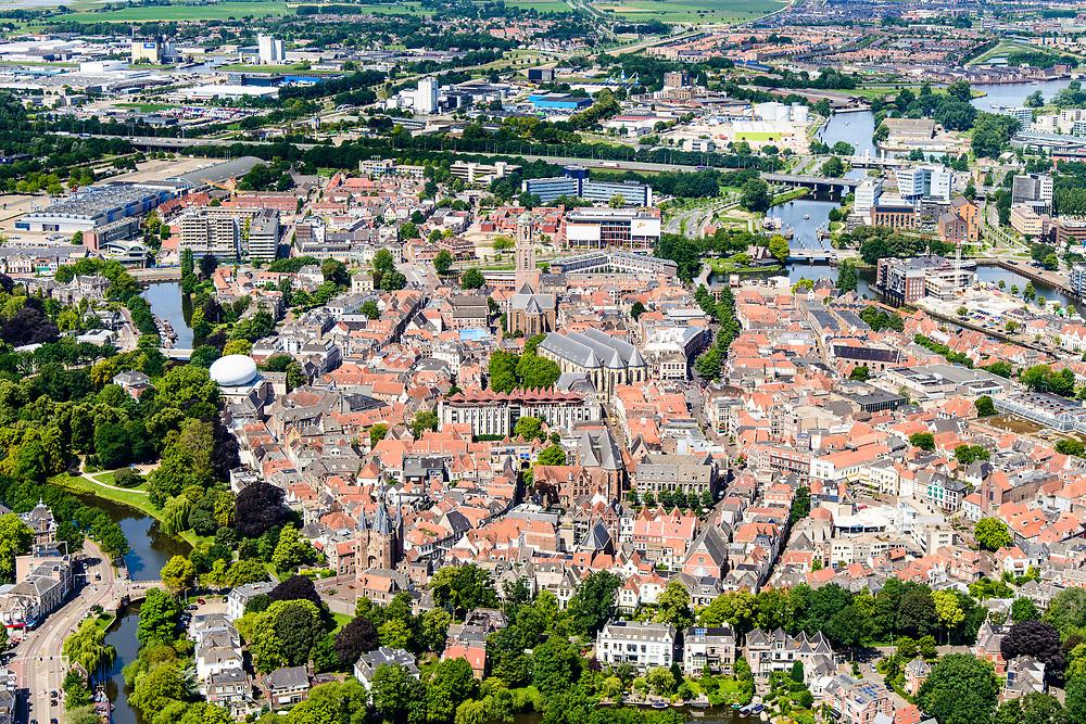 Nederland, Overijssel, Zwolle, 17-07-2017; overzicht binnenstad Zwolle, met onder andere De Peperbus (Onze-Lieve-Vrouwetoren), Grote Kerk, Sassenpoort (voorgrond), Museum de Fundatie (met witte koepel).<br /> Zwolle is de hoofdstad van de Nederlandse provincie Overijssel en tevens Hanzestad.<br /> Zwolle is the capital of the Dutch province of Overijssel and also a Hanseatic town.<br /> aerial photo (additional fee required);<br /> copyright foto/photo Siebe Swart