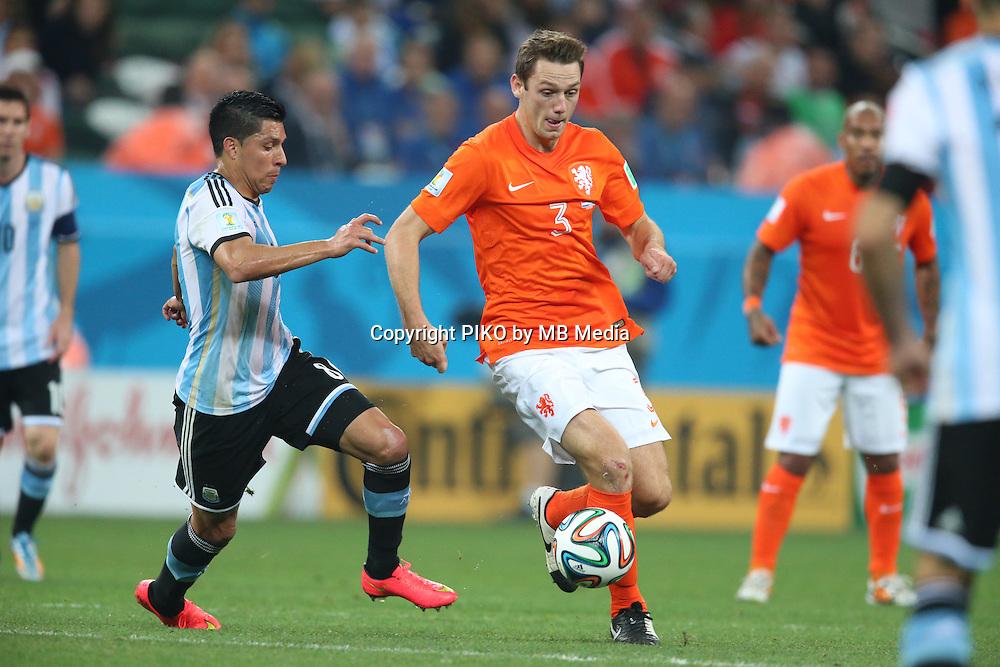 Fifa Soccer World Cup - Brazil 2014 - Semi-finals - <br /> NETHERLANDS (NED) Vs. ARGENTINA (ARG) - Arena de Sao Paulo - Sao Paulo -Brazil (BRA) - 09 July 2014 <br /> Here Argentine player Enzo Perez () and Dutch player  Stefan DE VRIJ ()<br /> &copy; PikoPress
