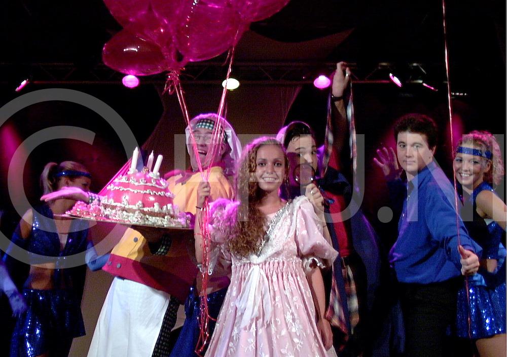 fotografie frank uijlenbroek&copy;2003 frank uijlenbroek<br /> 030806 hellendoorn ned<br /> Cecillia Jansen als Katinka in een musical in het Avonturenpark