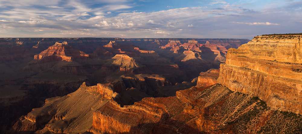 A panoramic view of the Grand Canyon from the South Rim.