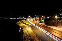 &Aring;lesund 12012011.<br /> Biler kj&oslash;rer forbi p&aring; innfartsveien til &Aring;lesund. Fotografert fra gangbroen ved Sunnm&oslash;rshallen.<br /> <br /> Cars driving on the main road to Aalesund city. <br /> <br /> Foto: Svein Ove Ekornesv&aring;g