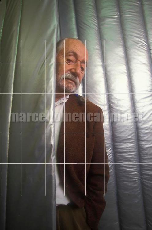 Milan, 1999. Italian designer Ettore Sottsass / Milano, 1999. Il designer Ettore Sottsass - © Marcello Mencarini