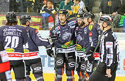 10.12.2017, Albert Schultz Halle, Wien, AUT, EBEL, UPC Vienna Capitals vs Dornbirner Eishockey Club, Grunddurchgang, 27. Runde, im Bild Spieler der Dornbirner Eishockey Club jubeln nach dem 1:2 durch Scott Timmins (Dornbirner Eishockey Club) // during the Erste Bank Icehockey League 27th round match between UPC Vienna Capitals and Dornbirner Eishockey Club at the Albert Schultz Halle in Vienna, Austria on 2017/12/10. EXPA Pictures © 2017, PhotoCredit: EXPA/ Alexander Forst