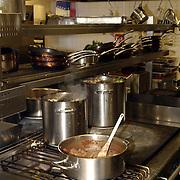 Uitreiking DVD Popeye, keuken restaurant jamie Oliver, Fiftheen.pannen, kok, oven, fornuis, kookplaat, lagoestine, kreeftjes