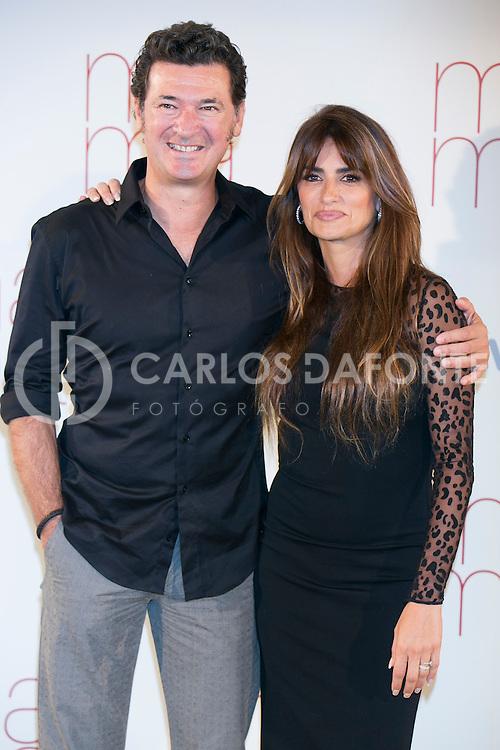 Julio Medem y Penelope Cruz en la presentación de su película Ma Ma