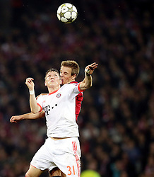23.10.2012, Grand Stade Lille Metropole, Lille, OSC Lille vs FC Bayern Muenchen, im Bild Bastian SCHWEINSTEIGER (FC Bayern Muenchen - 31) - Benoit PEDRETTI (OSC Lille - 17) // during UEFA Championsleague Match between Lille OSC and FC Bayern Munich at the Grand Stade Lille Metropole, Lille, France on 2012/10/23. EXPA Pictures © 2012, PhotoCredit: EXPA/ Eibner/ Gerry Schmit..***** ATTENTION - OUT OF GER *****