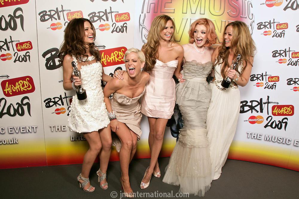 Girls Aloud - Backstage