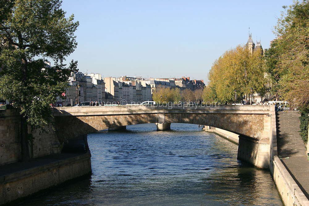 Bridge over River Seine, Paris, France<br />