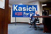 Presidential Hopeful John Kasich (R-Oh) preparing to talk to journalists and potential voters at the Sheehan Phinney Lawfirm in Manchester, New Hampshire.