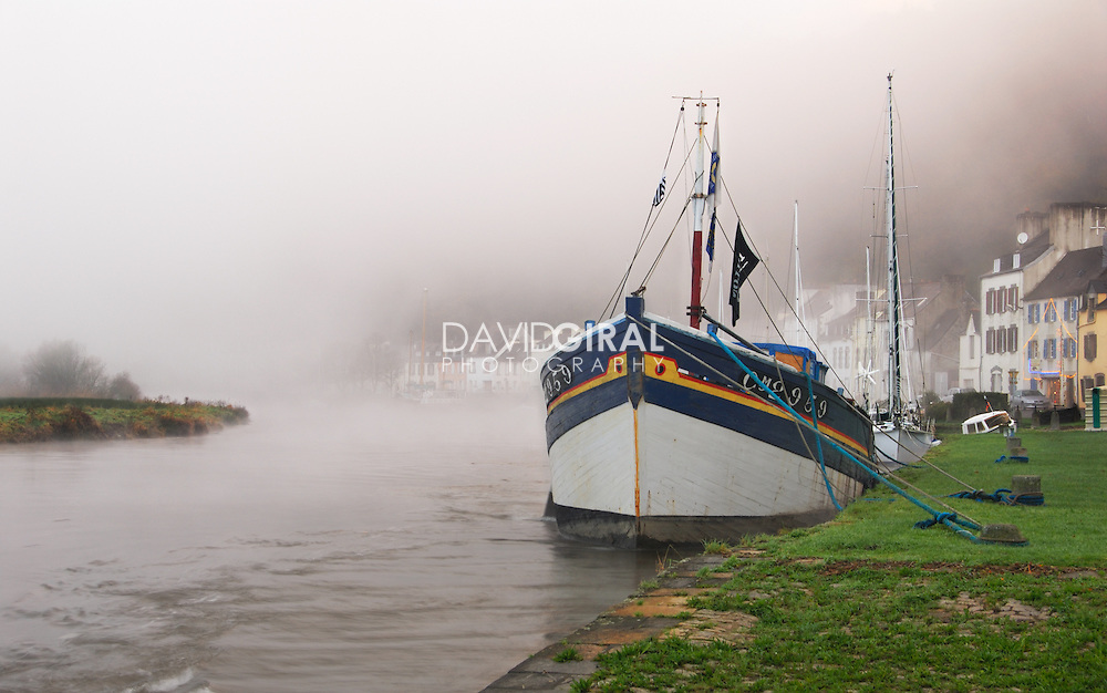 Foggy morning on Port-Launay, Finistère, Brittany, Bretagne, France