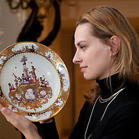 London November 25th The sale of the Hoffmaister collection of Meissen porcelain s took place yesterday at Bonhams raised more than a £1 Million GBP. Top lot of the day were a rare pair or Meissen turquoise-ground  vases from the Japanese Palace they sold for £102.000 doubling the presale estimate. Among the bidders was the Duke of Northumberland  who bought back  an ancestral plate from the Hanbury Williams- Duke of Northumberland' service dated 1748-50..***Agreed Fee's Apply To All Image Use***.Marco Secchi /Xianpix. tel +44 (0) 771 7298571. e-mail ms@msecchi.com .www.marcosecchi.com