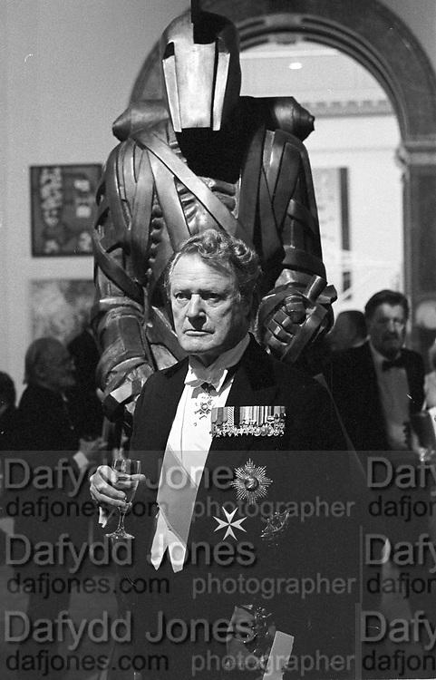 Hon Sir Peter Vanneck at the Royal Academy dinner. London. 1 June 1987. © Copyright Photograph by Dafydd Jones 66 Stockwell Park Rd. London SW9 0DA Tel 020 7733 0108 www.dafjones.com
