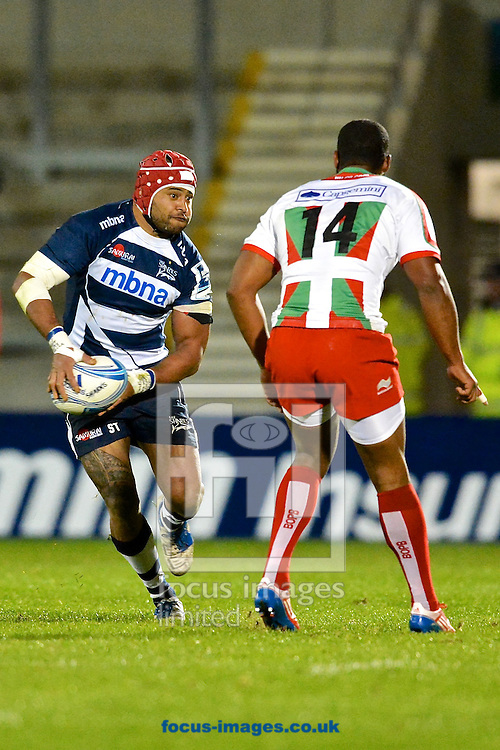 Picture by Ian Wadkins/Focus Images Ltd +44 7877 568959<br /> 10/10/2013<br /> Sam Tuitupou of Sale Sharks about to play a pass during the Amlin Challenge Cup match at AJ Bell Stadium, Eccles.