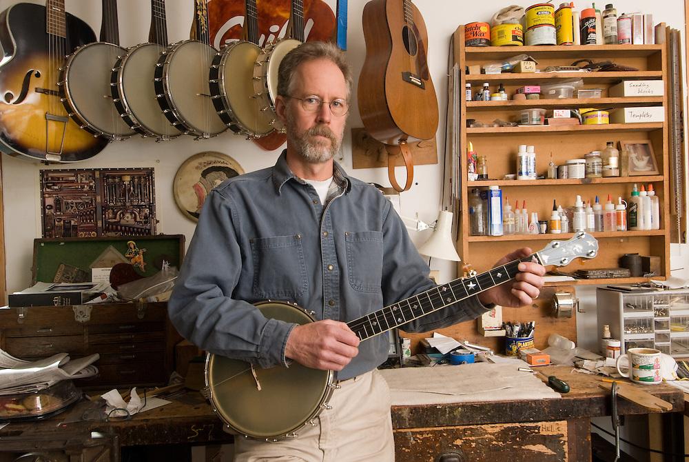 Banjo Maker Kevin Enoch