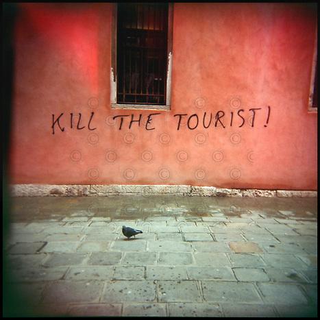 Italie, Venise, Santa Croce..graphiti.© Jean-Patrick Di Silvestro