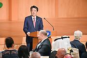 De Japanse keizer Naruhito heeft officieel de troon aanvaard en de belofte afgelegd dat hij zijn plicht als symbool van de staat zal vervullen. De 59-jarige Naruhito deed dat in een eeuwenoude ceremonie in de belangrijkste zaal van het keizerlijke paleis in Tokio in aanwezigheid van staatshoofden en gasten uit meer dan 180 landen.<br /> <br /> The Japanese emperor Naruhito has officially accepted the throne and made the promise that he will fulfill his duty as a symbol of the state. The 59-year-old Naruhito did that in an ancient ceremony in the main hall of the Imperial Palace in Tokyo in the presence of heads of state and guests from more than 180 countries.<br /> <br /> Op de foto / On the photo:   Japan's Prime Minister Shinzo Abe