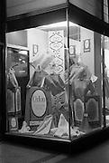 25/03/1963<br /> 03/25/1963<br /> 25 March 1963<br /> Du Pont Orlon fashion wind display at J.J. Nicholl Ltd., Exchequer Street, Dublin.