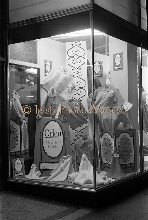 25/03/1963<br /> 03/25/1963<br /> 25 March 1963<br /> Du Pont Orlon fashion wind display at J.J. Nicholl Ltd., Exchequer Street, Dublin.