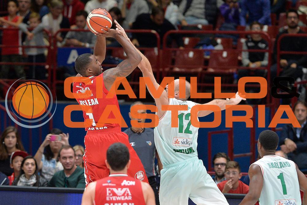 Olimpia EA7 Emporio Armani Milano Sidigas Scandone Avellino<br /> Basket serie A 2016/2017<br /> Cremona 09/10/2016<br /> Foto Ciamillo-Castoria<br /> Provvisorio