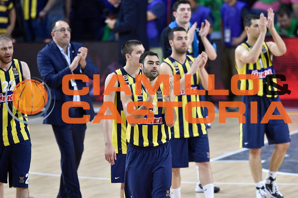 DESCRIZIONE : Madrid Eurolega Euroleague 2014-15 Final Four 3rd 4th place finale 3 4 posto Fenerbahce Ulker Istanbul Cska Moscow Cska Mosca<br /> GIOCATORE : Team Fenerbahce Ulker Istanbul<br /> SQUADRA : Fenerbahce Ulker Istanbul<br /> CATEGORIA : delusione<br /> EVENTO : Eurolega 2014-2015<br /> GARA : Fenerbahce Ulker Istanbul Cska Mosca<br /> DATA : 17/05/2015<br /> SPORT : Pallacanestro<br /> AUTORE : Agenzia Ciamillo-Castoria/GiulioCiamillo<br /> Galleria : Eurolega 2014-2015<br /> DESCRIZIONE : Madrid Eurolega Euroleague 2014-15 Final Four 3rd 4th place finale 3 4 posto Fenerbahce Ulker Istanbul Cska Moscow Cska Mosca