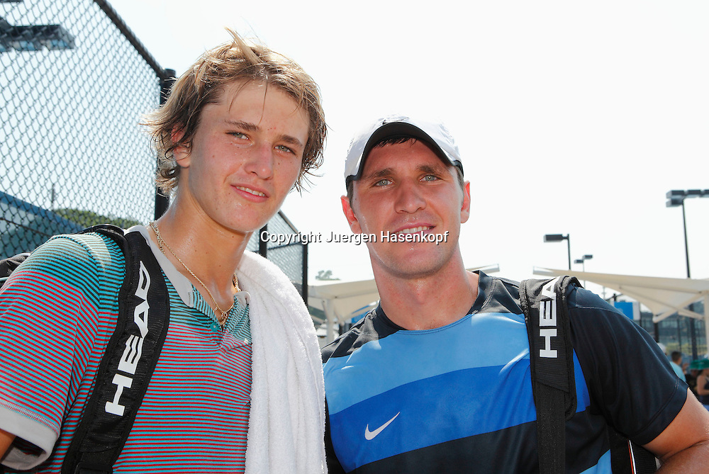Brisbane International, Queensland Tennis Centre,ATP 250 World Tour WTA,Hardcourt Tennis Turnier in Brisbane,,Querformat,<br /> Tennis Familie Zverev nach dem Training,R-L.Mischa Zverev (GER) und juengerer Bruder Alexander &quot;Sascha&quot; ,Portrait,Querformat,Geschwister,