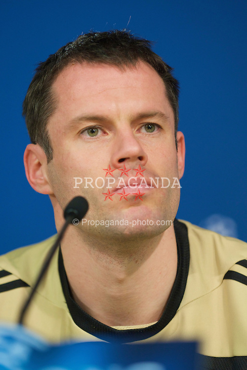 MADRID, SPAIN - Tuesday, February 24, 2009: Liverpool's Jamie Carragher during a press conference at the Santiago Bernabeu ahead of the UEFA Champions League First Knock-Out Round against Real Madrid. (Photo by David Rawcliffe/Propaganda)