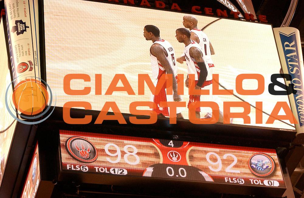 DESCRIZIONE : Toronto NBA 2009-2010 Toronto Raptors New Orleans Hornets<br /> GIOCATORE : Cube Cubo<br /> SQUADRA : Toronto Raptors<br /> EVENTO : Campionato NBA 2009-2010 <br /> GARA : Toronto Raptors New Orleans Hornets<br /> DATA : 20/12/2009<br /> CATEGORIA :<br /> SPORT : Pallacanestro <br /> AUTORE : Agenzia Ciamillo-Castoria/V.Keslassy<br /> Galleria : NBA 2009-2010<br /> Fotonotizia : Toronto NBA 2009-2010 Toronto Raptors New Orleans Hornets<br /> Predefinita :