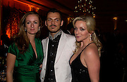 Lucy Yeomans, Matthew Williamson and Jane Krakowski, Grand Hotel-A Donmar Warehouse Gala evening in association with De Beers. Claridges. 2 December 2004. ONE TIME USE ONLY - DO NOT ARCHIVE  © Copyright Photograph by Dafydd Jones 66 Stockwell Park Rd. London SW9 0DA Tel 020 7733 0108 www.dafjones.com