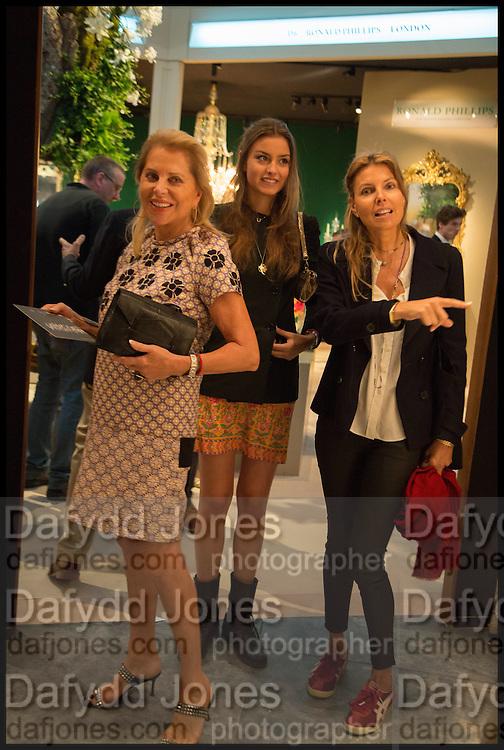 EVA O'NEILL;, MILANA ABENSPERG UND TRAUN; COUNTESS NATASCHA ABENSPERG UND TRAUN, Masterpiece London 2014 Preview. The Royal Hospital, Chelsea. London. 25 June 2014.