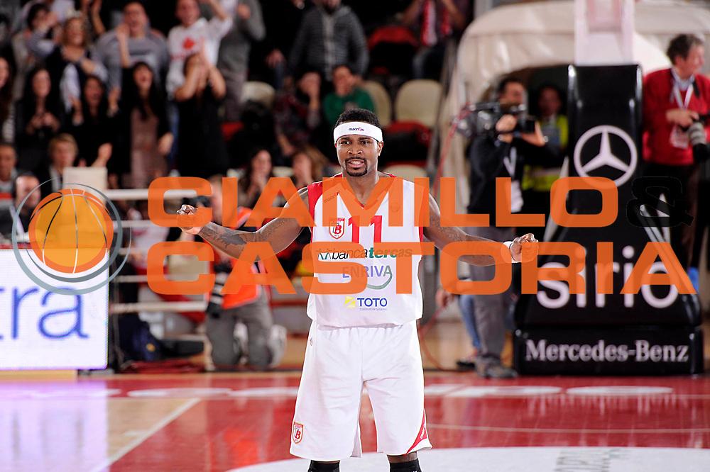 DESCRIZIONE : Teramo Lega A 2011-12 Banca Tercas Teramo EA7 Armani Milano<br /> GIOCATORE : Dee Brown<br /> CATEGORIA : esultanza scelta<br /> SQUADRA : Banca Tercas Teramo<br /> EVENTO : Campionato Lega A 2011-2012<br /> GARA : Banca Tercas Teramo EA7 Armani Milano<br /> DATA : 07/01/2012<br /> SPORT : Pallacanestro<br /> AUTORE : Agenzia Ciamillo-Castoria/C.De Massis<br /> Galleria : Lega Basket A 2011-2012<br /> Fotonotizia : Teramo Lega A 2011-12 Banca Tercas Teramo EA7 Armani Milano<br /> Predefinita :