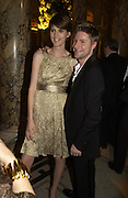 Stella Tennant and Christopher Bailey. British Fashion awards 2005. V. & A. Museum. Cromwell Rd. London.   10  November 2005 . ONE TIME USE ONLY - DO NOT ARCHIVE © Copyright Photograph by Dafydd Jones 66 Stockwell Park Rd. London SW9 0DA Tel 020 7733 0108 www.dafjones.com