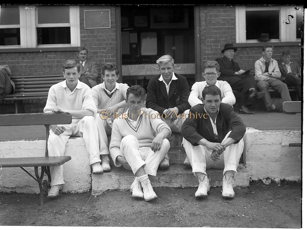 30/06/1959<br /> 06/30/1959<br /> 30 June 1959<br /> Schoolboy Interprovincial Cricket, Leinster v Ulster, Rathmines, Dublin. Members of the Ulster team watching play included (l-r): Back, P. Gibson (Campbell College); J.D. Monteith, (R.B.A.I.); W.J. James (R.B.A.I.) and C.W. Ridge (Ballymena Academy). Front, E.T. Cooke (Belfast High School) and captain K.J. Houston (Belfast Royal).