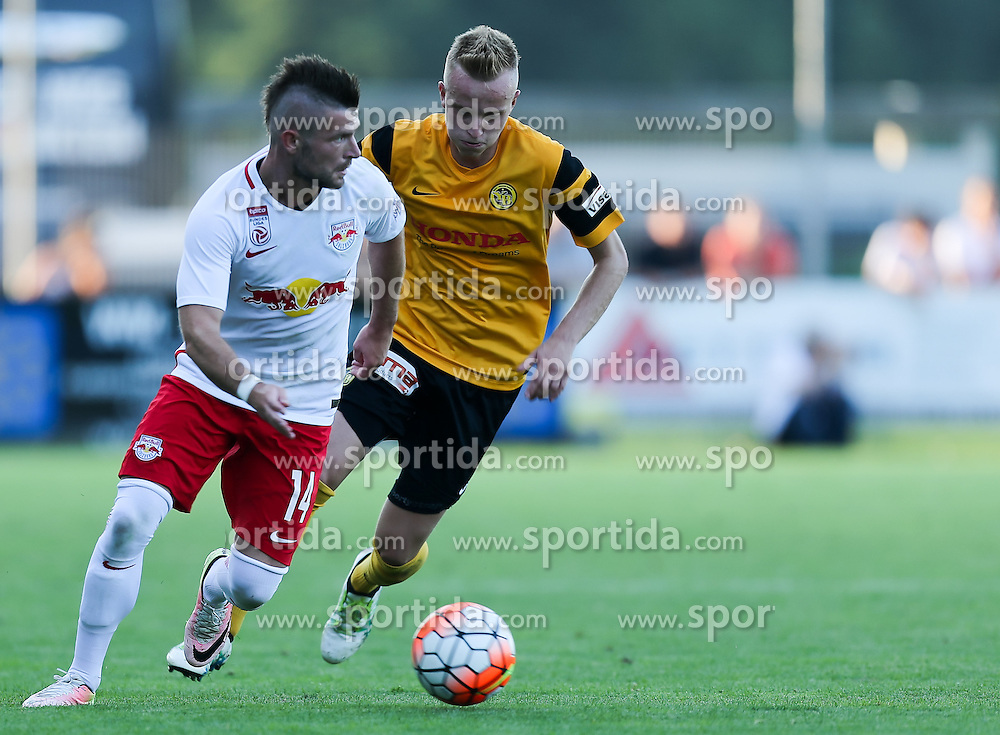 01.07.2016, Sportarena, Strasswalchen, AUT, Testspiel, FC Red Bull Salzburg vs BSC Young Boys, im Bild v.l. Valon Berisha (FC Red Bull Salzburg), Florent Hadergjonaj (BSC Young Boys Bern) // during a friendly football match between FC Red Bull Salzburg and BSC Young Boys at the Sportarena in Strasswalchen, Austria on 2016/07/01. EXPA Pictures © 2016, PhotoCredit: EXPA/ Roland Hackl
