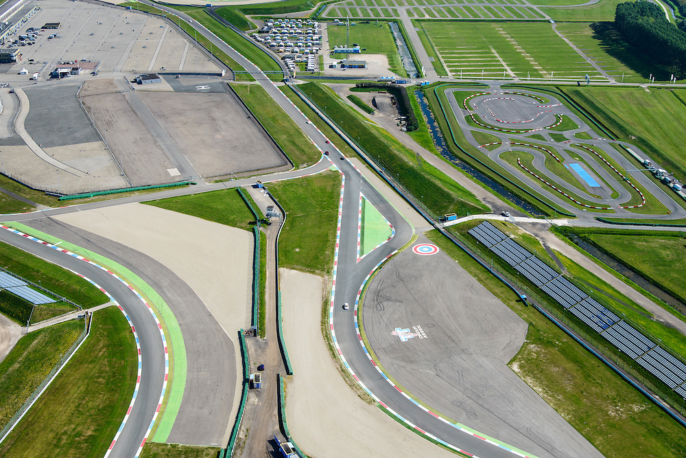 Nederland, Drenthe, 27-08-2013; TT-Circuit Assen  (Circuit van Drenthe), lokatie voor de jaarlijkse motorrace de TT Assen (Tourist Trophy), Grand Prix wegrace. In de voorgrond carting (skelter) circuit.<br /> Circuit Drenthe, the location for the annual motor race Assen TT (Tourist Trophy), Grand Prix motorcycle racing.<br /> luchtfoto (toeslag op standaard tarieven);<br /> aerial photo (additional fee required);<br /> copyright foto/photo Siebe Swart.