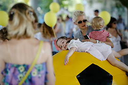 August 6, 2017 - Kiev, Ukraine - 85 pairs of twins gathered in one place in Kiev set the national record of Ukraine, August, 6, 2017. (Credit Image: © Sergii Kharchenko/NurPhoto via ZUMA Press)