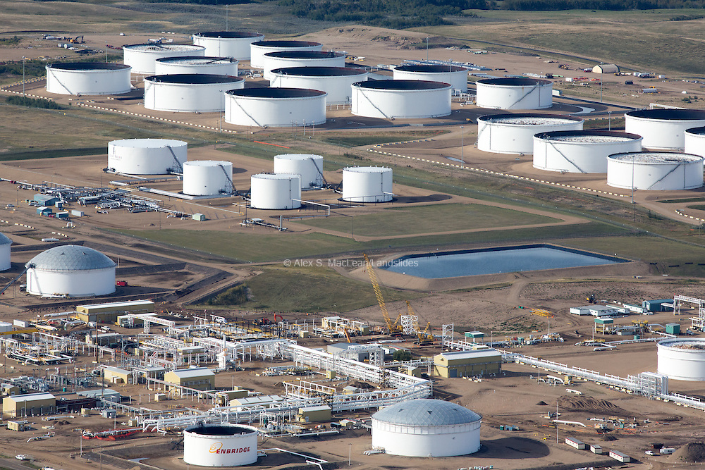 Hardisty Terminal's storange tanks and infrastructure. The terminals capacity as of early 2015 is 6 million barrels of oil.