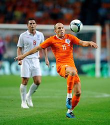 12-08-2009 VOETBAL: NEDERLAND - ENGELAND: AMSTERDAM<br /> Nederland speelt met 2-2 gelijk tegen Engeland / Arjen Robben<br /> &copy;2009-WWW.FOTOHOOGENDOORN.NL