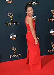 Tatiana Maslany bei der Verleihung der 68. Primetime Emmy Awards in Los Angeles / 180916<br /> <br /> *** 68th Primetime Emmy Awards in Los Angeles, California on September 18th, 2016***