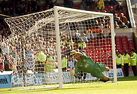 Photo: Leigh Quinnell.<br /> Nottingham Forest v Bristol City. Coca Cola League 1. 21/10/2006. Bristol City goalkeeper Adriano Basso can't stop Forests Nicky Southalls free kick hitting the back of the net.