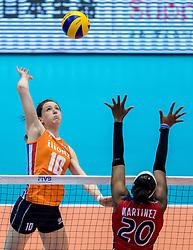 18-05-2016 JAP: OKT Nederland - Dominicaanse Republiek, Tokio<br /> Nederland is weer een stap dichterbij kwalificatie voor de Olympische Spelen. Dit dankzij een 3-0 overwinning op de Dominicaanse Republiek / Lonneke Sloetjes #10, Brayelin Elizabeth Martinez #20