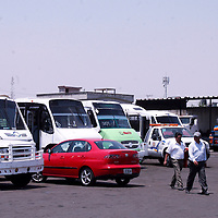 Toluca, Mexico.- Alrededor de 70 unidades de transporte público fueron retenidas en el primer día del operativo de retiro de Transporte Pirata, implementado por la Secretaria de Transporte en la zona metropolitana del Valle de Toluca. Agencia MVT / Jose Hernandez.
