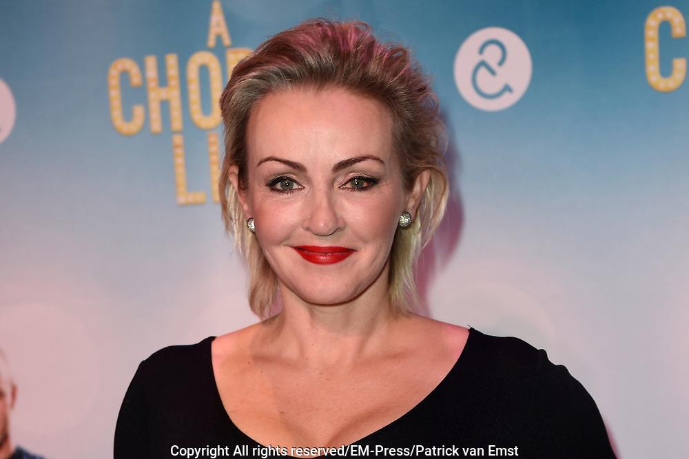 Premiere van A Chorus Line in het Zaantheater te Zaandam.<br /> <br /> Op de foto:  Lone van Roosendaal