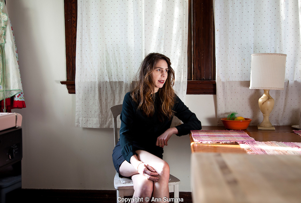 "Los Angeles, California: Portrait of author Rachel Kushner in the kitchen of her Craftsman home in Angelino Heights. She has written a new book, ""THe Flamethrowers"". (Photo: Ann Summa)."