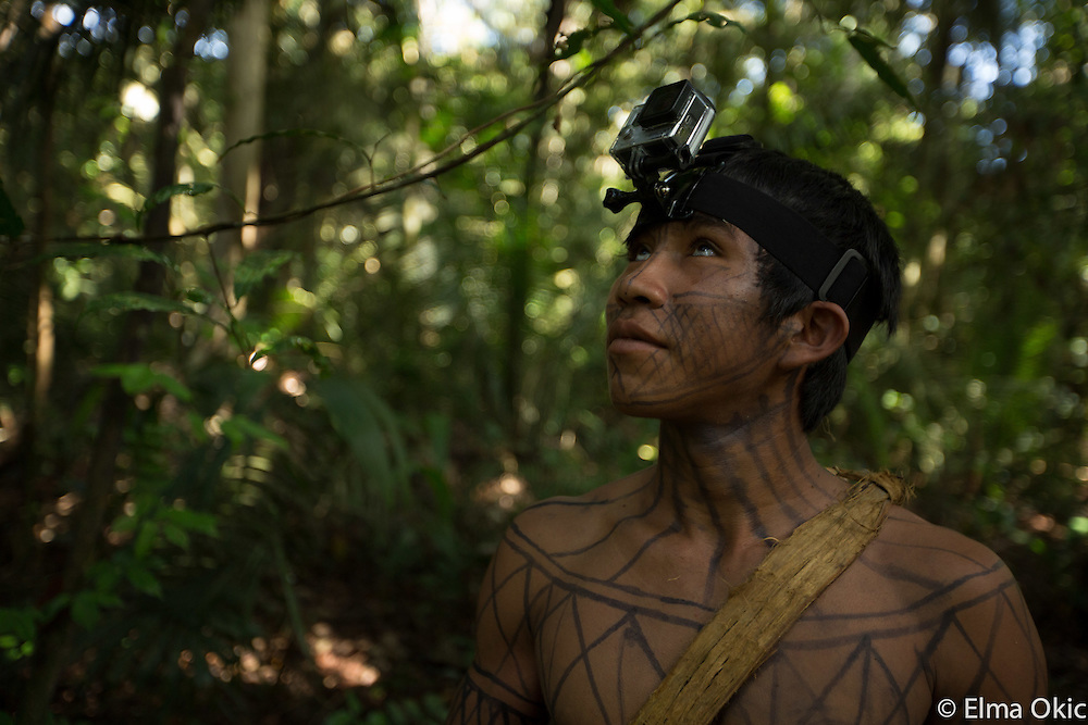 Munduruku people showing their hunting skills in the rainforest surrounding Sawre Muybu, an indigenous community on the banks of the Tapajo River, State of Para, Brazil.