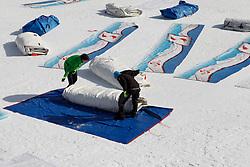 18.02.2013, Schladming, AUT, FIS Weltmeisterschaften Ski Alpin, im Bild Abbauarbeiten im Zielstadion der Planai // break down workings in the finish area of Schladming after the FIS Ski World Championships 2013 in Schladming, Austria on 2013/02/18. EXPA Pictures © 2013, PhotoCredit: EXPA/ Martin Huber