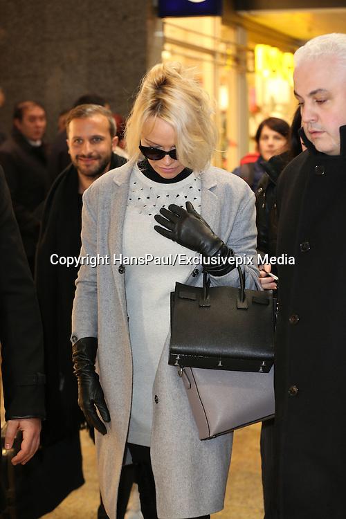Pamela Anderson arrives by train to Cologne<br /> &copy;HansPaul/Exclusivepix Media